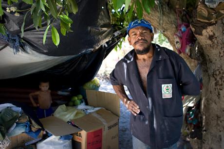 Homeless family, Patacas, Brasil, 2008.